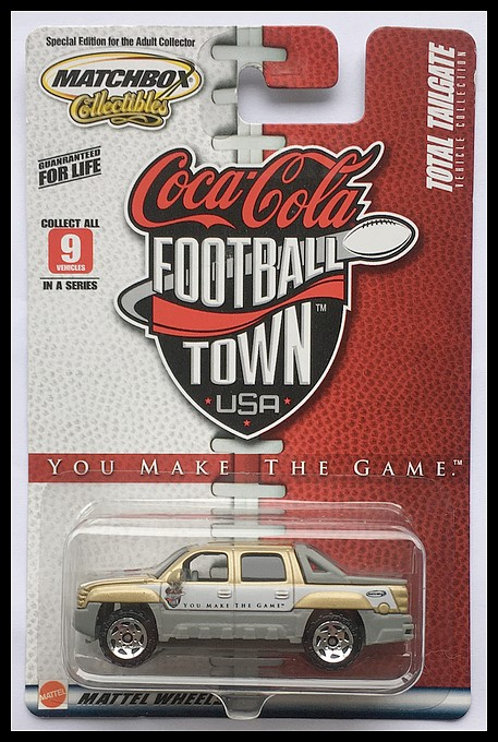 MB546-CHEVROLET AVALANCHE(Coca Cola Football Town USA).JPG